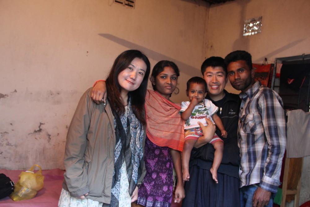 世界一周夫婦 バングラデシュで仲良くなった家族と